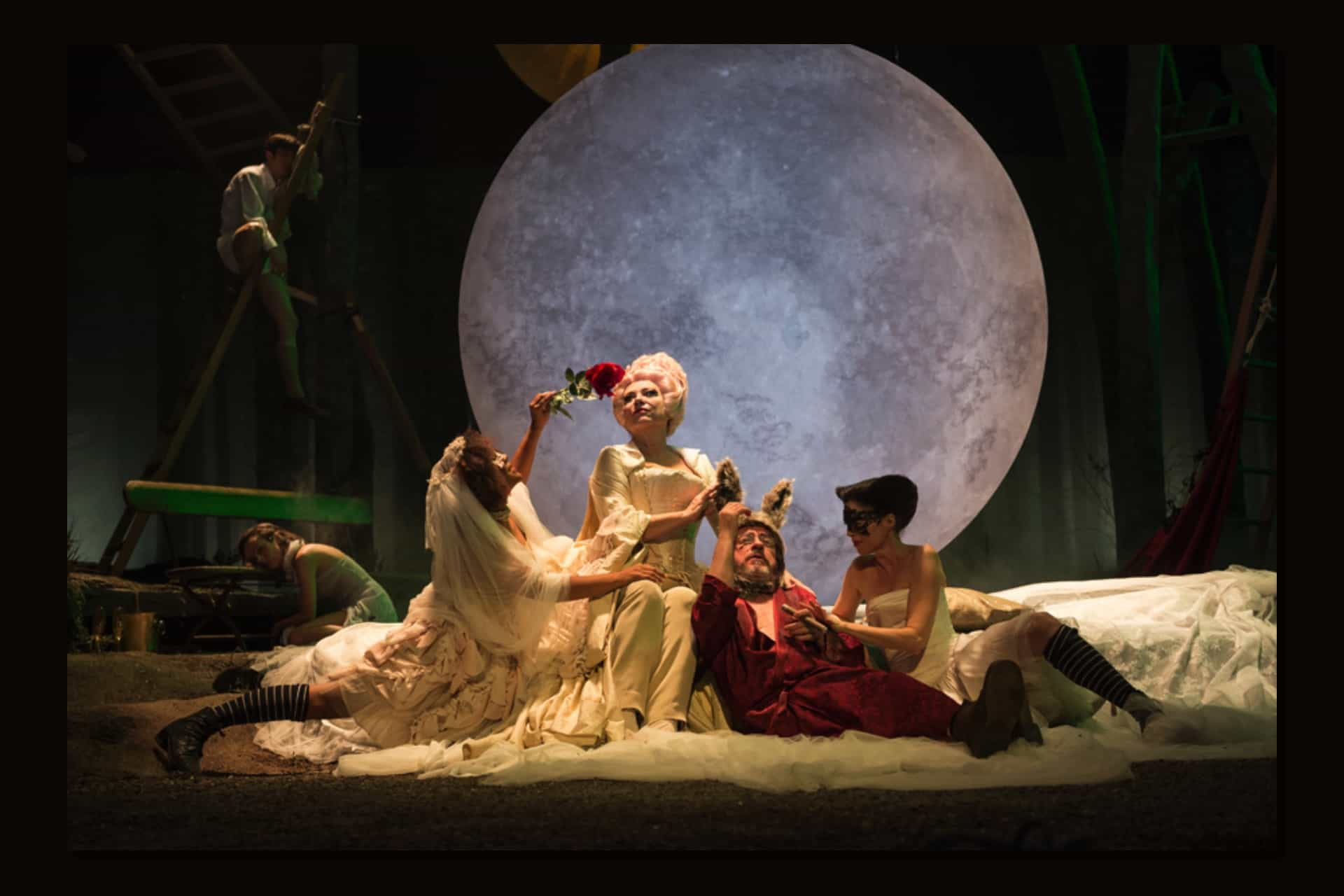 La necesidad del teatro - Artemisa Téllez